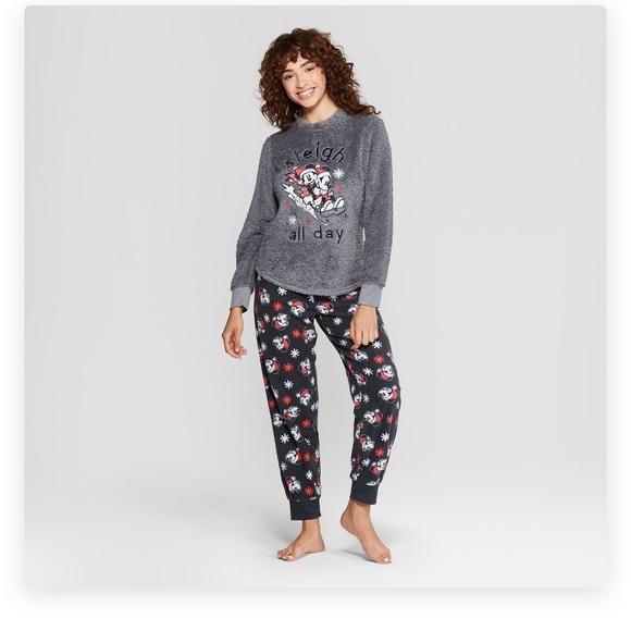 NWT Disney/'s Mickey Fleece Christmas Pajamas Set